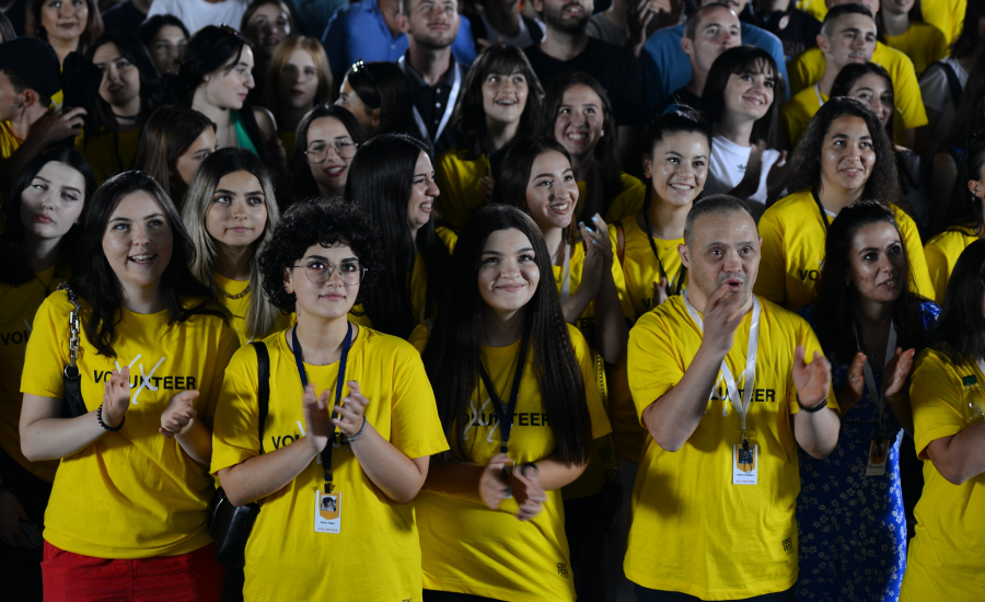 VOLUNTEERS - THE SMILING FACES OF DOKUFEST