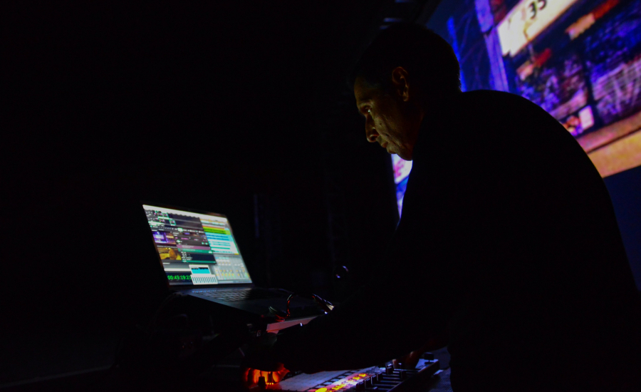 LIFE IN LOOPS AT SONAR STAGE SHOWS LIFE IN ITS TRUEST FORMS